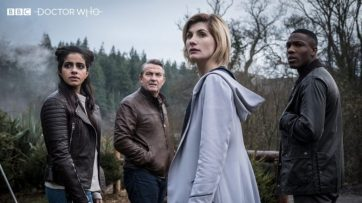 Mandip-Gill-Bradley-Walsh-Jodie-Whittaker-and-Tosin-Cole-in-Doctor-Who-2005-780x439