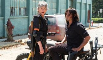 the-walking-dead-temporada-9-daryl-gay-1533285509